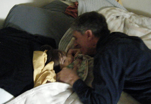 pic: daddy and daughter sweet moment